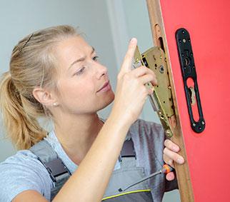 Home lock installaton service